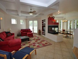 Spacious, Pet Friendly 6BR 4 Full BA Home in Rehoboth 2 blocks to the Beach, 5