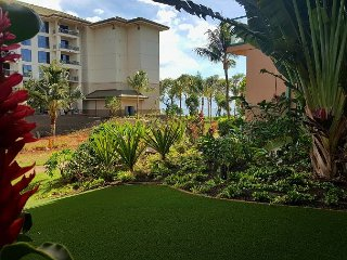 Ground Floor One Bedroom with Huge Play lawn! - Hokulani 108 Just Renovated!