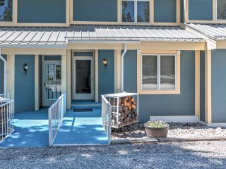 NEW! 3BR Cloudcroft Townhome w/ Deck &  Mtn. Views
