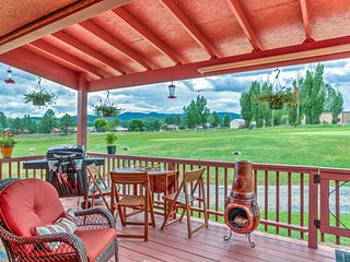 Dog-Friendly Ruidoso Condo w/ Golf Course Views!