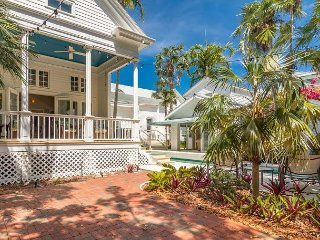 Secluded Luxury 4BR Casa Marina East w/ 50' Pool in reopened Florida Keys