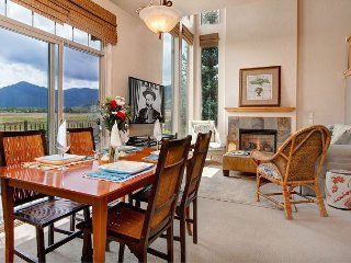 3BR w/ All-New Beds & Stunning Nature Preserve Vistas, Near Skiing & Hiking