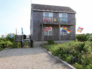 3BR w/ Views of Cape Cod Bay, Deck & Balconies – Shuttle to Provincetown
