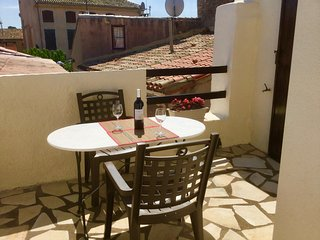 Wonderful Olonzac property, 2 bedrooms & private terrace in the heart of town