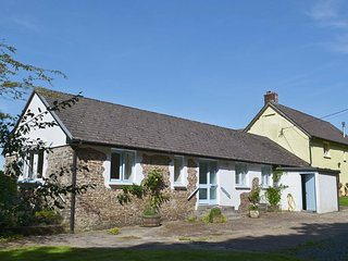 Broomhill Farm Cottage - peaceful, country retreat