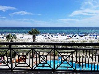 AZ 304: Amazing beachfront condo SLEEPS 9 PEOPLE!