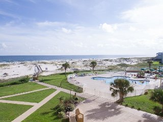 Amazing 2BR w/ Beach Views – Gated Resort, Near Ft. Morgan