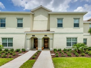 Champions Gate - 4 Bedroom Luxury Townhome