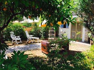 VILLA ELISA:  App. con giardino privato a  200 mt dal mare di Lido di Camaiore