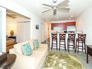 Plush Decor w/Lanai, Den, Kitchen Ease, WiFi, AC, Flat Screen–Kauai Kailani K220