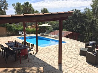 Holiday villa in Begur (8-12 pers), private pool, outdoor kitchen/BBQ, free WiFi