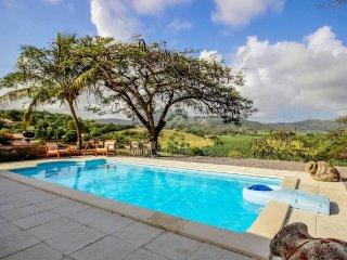 Villa Le Refuge, au cœur de la campagne du François, piscine privée