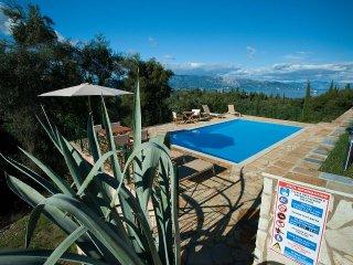 Exklusive Villa mit grossem Pool, Meerblick, beste Lage, zentral, aber ruhig