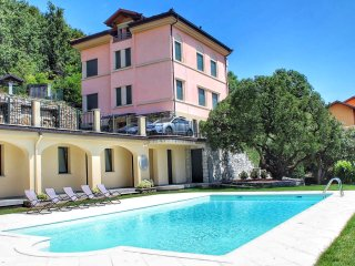 Oleandro 2 apartment in Mergozzo with pool