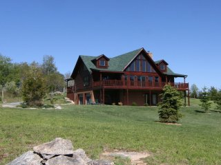 Beech View Lodge ~ Banner Elk Area, Stunning Views, Hiking