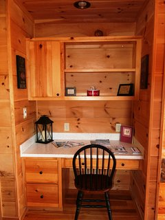 Get some business done at this desk part of Beech View Lodge. #wifi