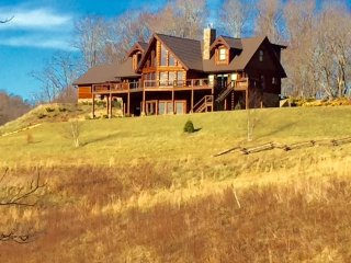 Creston Estates - Country Hillsides, Hot Tub, Wildlife