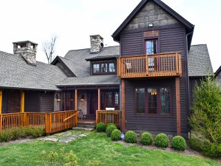 Elk Camp Lodge ~ Luxury, Views, Privacy, Picturesque Rustic Elegance