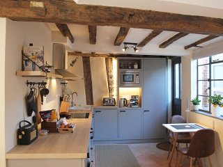 Boutique 15th Century Cottage in the Heart of Medieval Lavenham