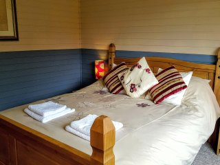 Kingsize Master Bedroom Lodge 5