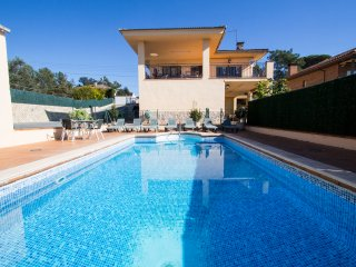 Catalunya Casas: Villa del Art in Sils, in the center of Costa Brava and close