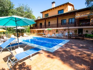 Catalunya Casas: Enchanting villa in the heart of Costa Brava, 20 km to the beac