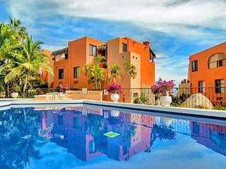 CONDO CALAFIA, WALK TO BEACH. CABO BELLO SAN LUCAS