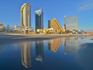 The Boardwalk, Beaches, Casinos at Your door! Wyndham Skyline Towers