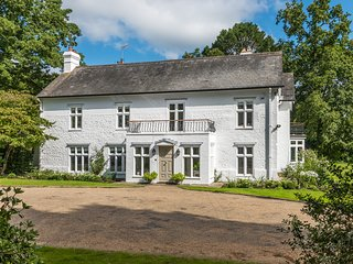 Longmore Rise, 7 bedroom property, sleeps 16 set in 60 acres. Liphook, Hampshire