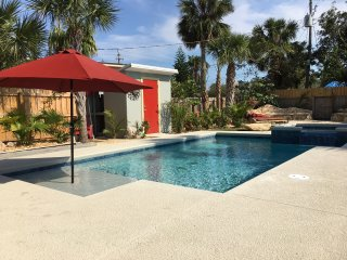 NEW! Exceptional Beach House, Heated Pool & Spa, Private Garden, Steps to Beach