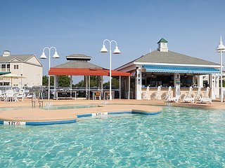 Hotel Room, Sleeps 2, July 1 - July 6, 2018 (5 nights) - Harbour Lights Resort
