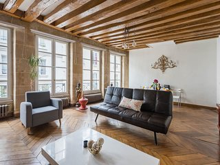 12. LOVELY MONTORGUEIL 2BR IN SUPER CENTRAL LOCATION BY LES HALLES - CHATELET