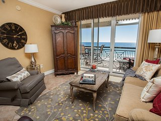Azure - Luxury Gulf Front condo with large balcony