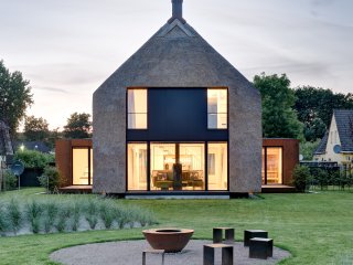 Architektenhaus 5 *****  mit Sauna, Kamin, großem Garten und Ausblick