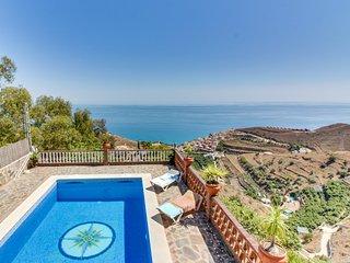 Villa c/piscina y vistas al mar! Ref. 212897