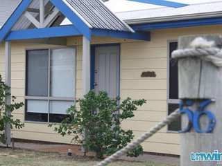 SA Holiday House: 'Sea Breeze' - Pet Friendly - Middleton