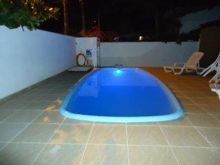 Casa alto padrão para até 18 pessoas c/piscina 200 metro do Mar