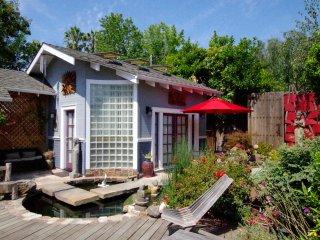 Stunning Guesthouse in a Zen Garden Midtown San Jose