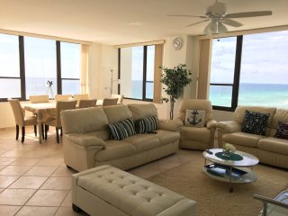 Real Oceanfront 2+2 condo with exceptional views