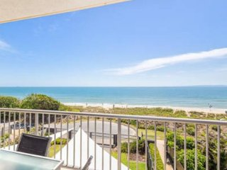 Penthouse on Woorim Beach! - HEAR THE WAVES CRASHING!
