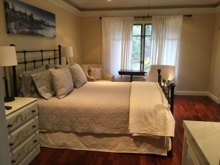 Cute studio ...2 blocks from the Ocean...5 minutes to downtown Pacific Grove