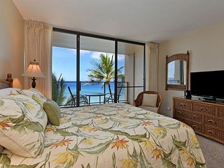 Mahana 602 New Listing from $165/night! - Direct Oceanfront Studio!