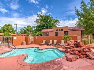 NEW! Elegant 1BR Sedona Cottage w/ Community Pool!