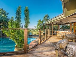 Byron Este - Balinese-inspired house