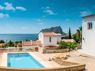 Kika - traditionally furnished detached villa with peaceful surroundings in Calp