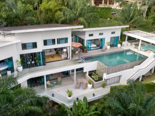 Luxury 5 bdr villa with lush tropical mountain views near Laguna/Layan/Bangtao