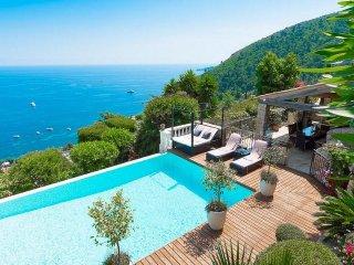 Amazing Villa Sea Views 4 Bedrooms, Sleeps 8