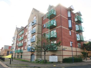 Two Bedroom Apartment - Catrin House