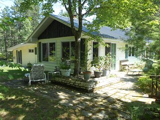 Lake Superior Cottage Marquette'Camp Luke Charles' Sand River Waterfront Home