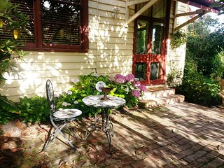 Brooklyn Studio B & B - A five minute walk to Healesville Sanctuary